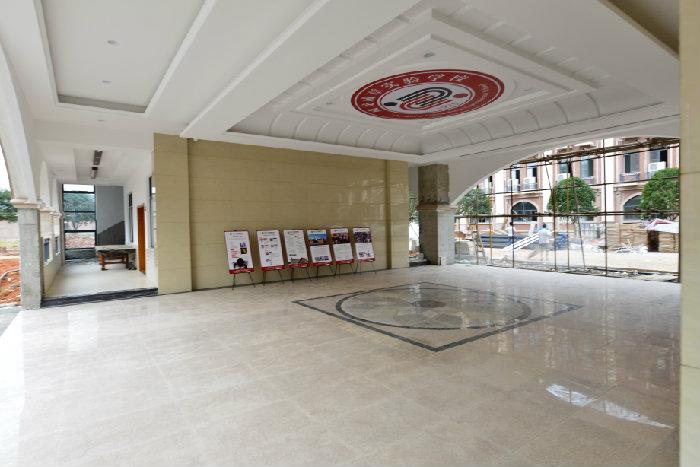 欧式建筑小学教室装饰图片大图
